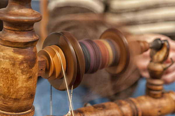close-up of spinning on antique wheel